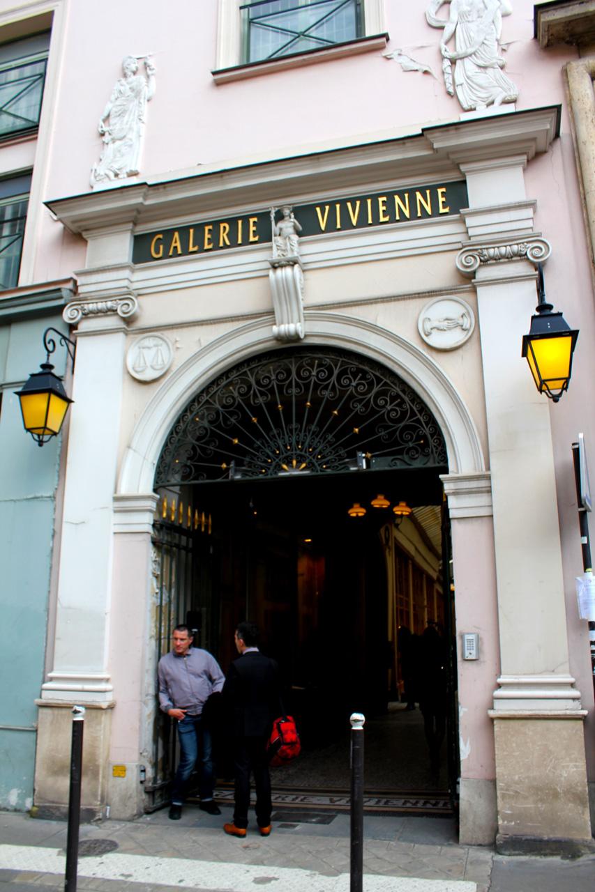galerie-vivienne-entrance