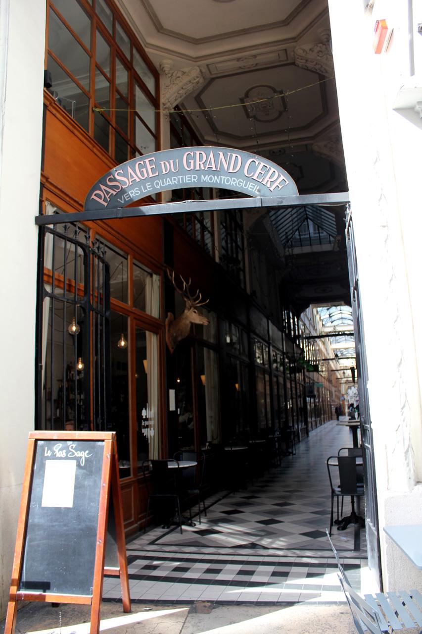 grand-cerf-entrance