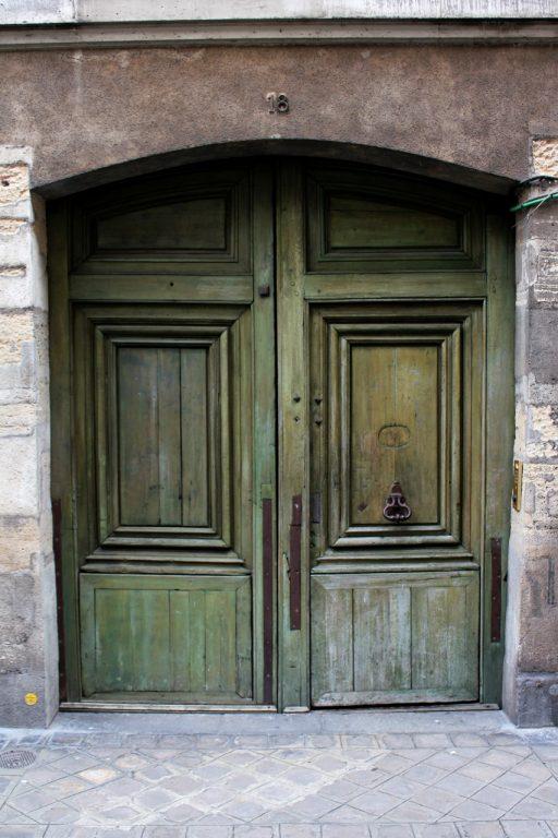 Doors of Le Marais1 min read