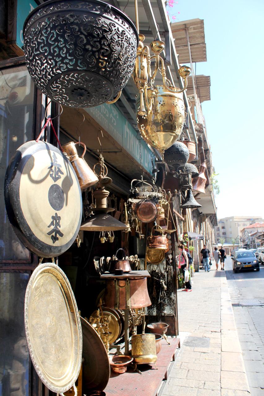 Jaffa antiques sidewalk