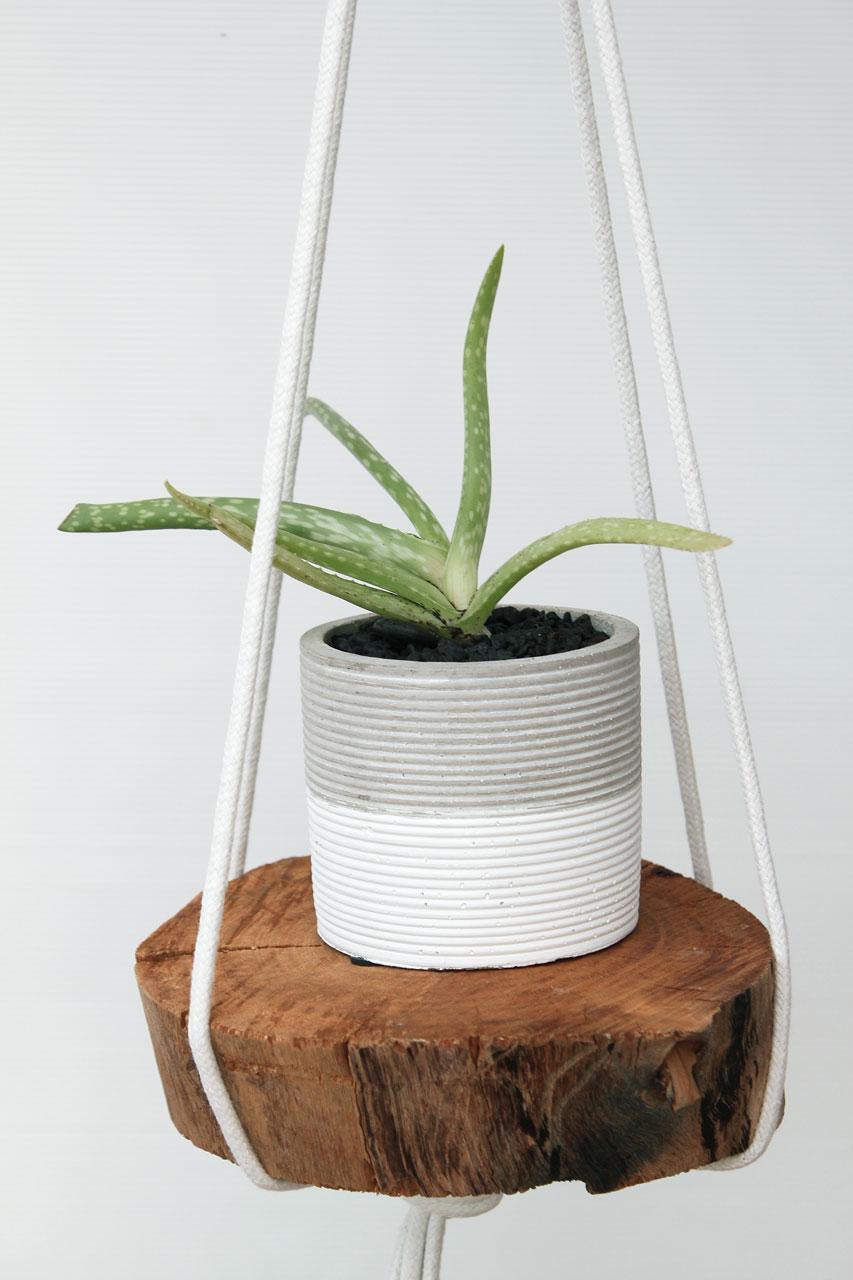 Quick DIY- rope hanging planter