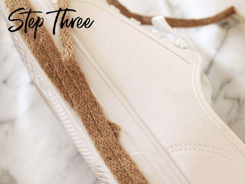 DIY sneaker espadrilles, step three | Dossier Blog