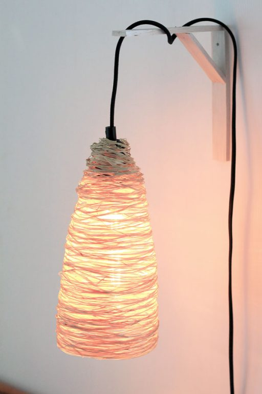 A DIY raffia pendant light to add some tropical warmth to your home! | Dossier Blog