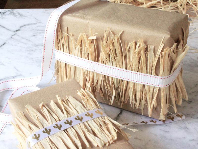 12 DIYs of Christmas - Raffia Ribbons | Dossier Blog