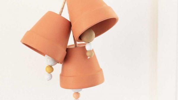 Make these mini Terracotta Pot Doorbells!   Dossier Blog