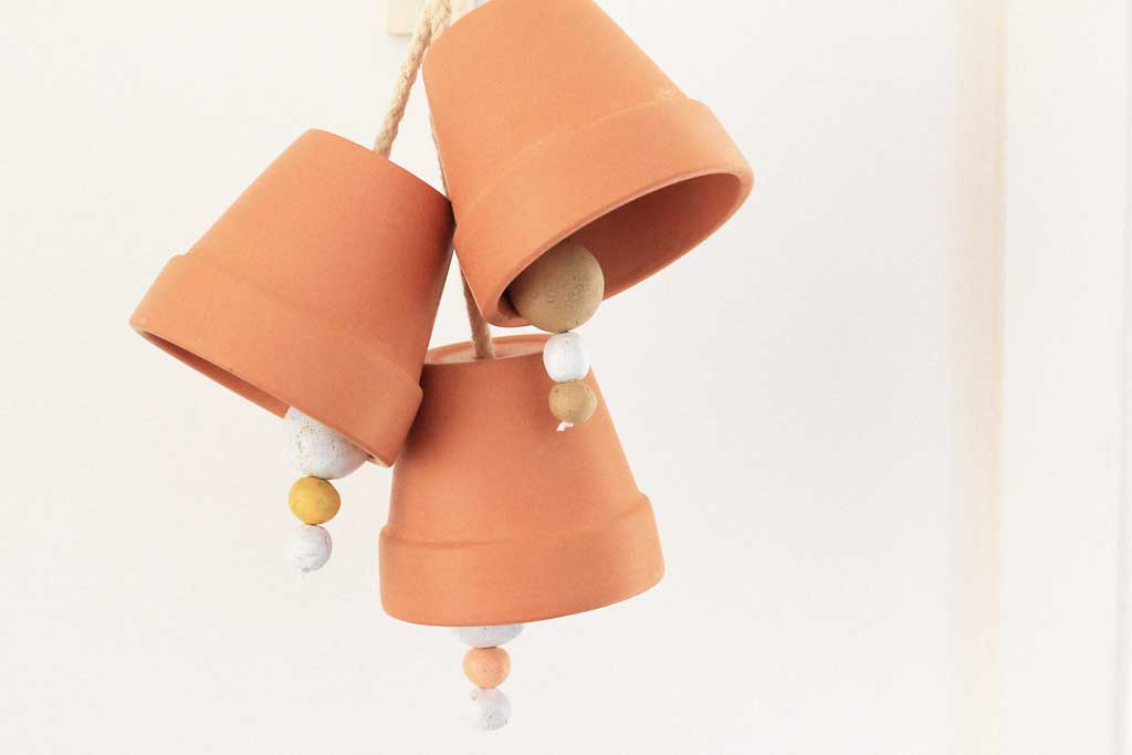 Make these mini Terracotta Pot Doorbells! | Dossier Blog