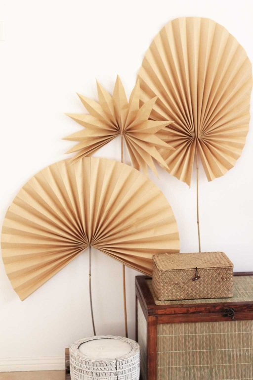 Make these paper palm fronds from folded kraft paper | Dossier Blog