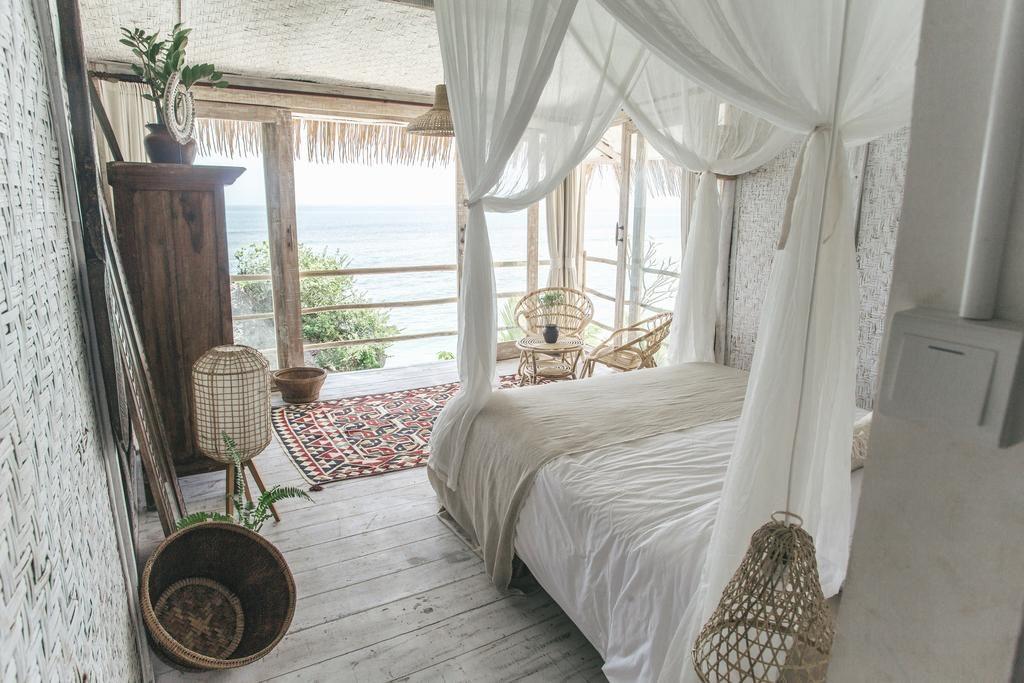 Dreamsea Villas, Uluwatu Bali for overwater views | Dossier Blog