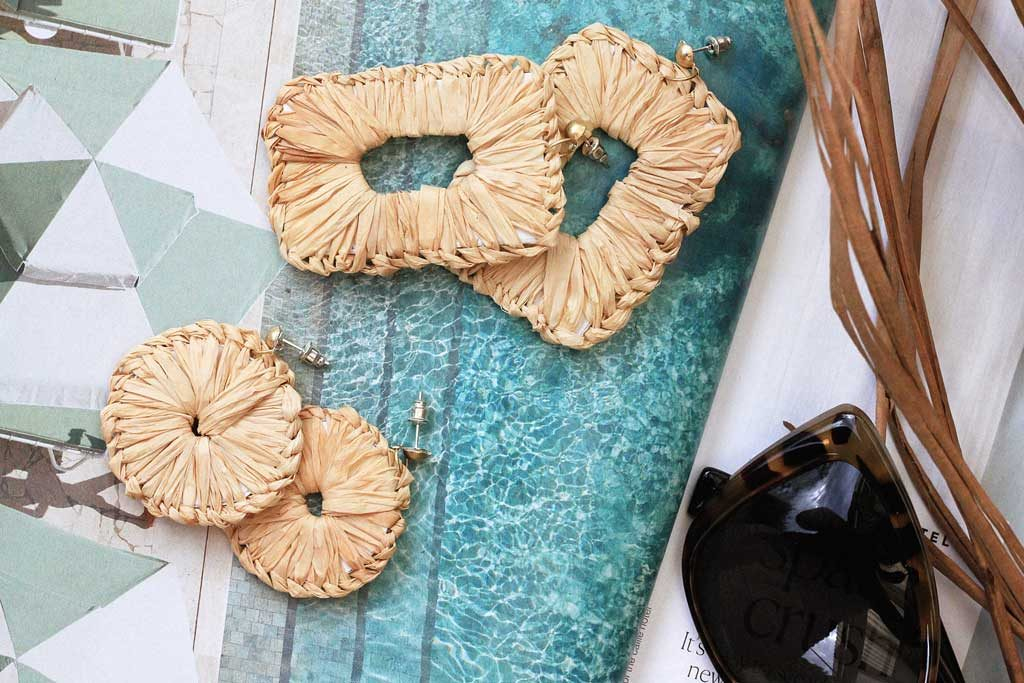 DIY Raffia Wrapped earrings for a tropical vacay vibe | Dossier Blog
