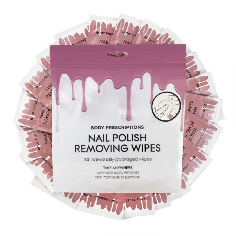 Nail Polish removing wipes are a great option for travel | Dossier Blog