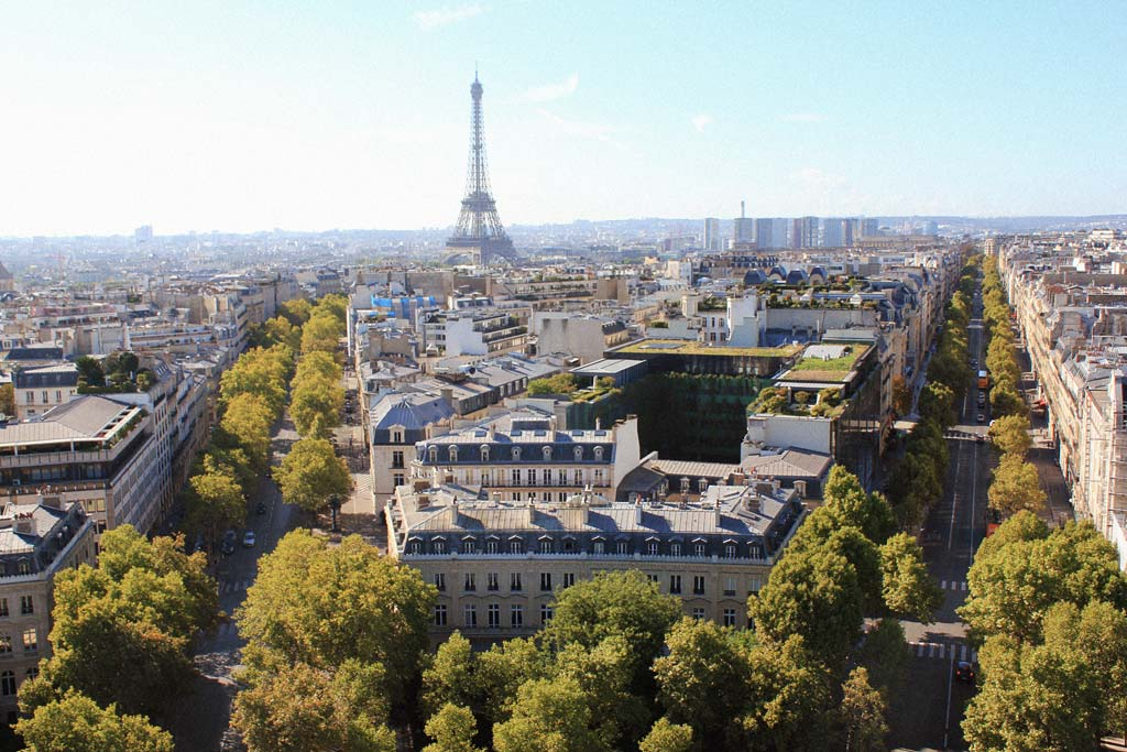 Looking out over Paris from the Arc de Triomphe | Dossier Blog