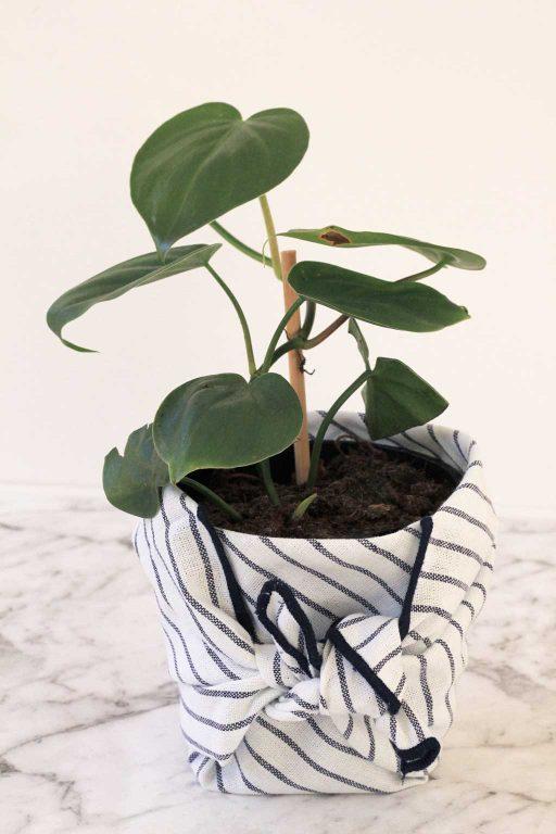 Blue striped Furoshiki planter | Dossier Blog
