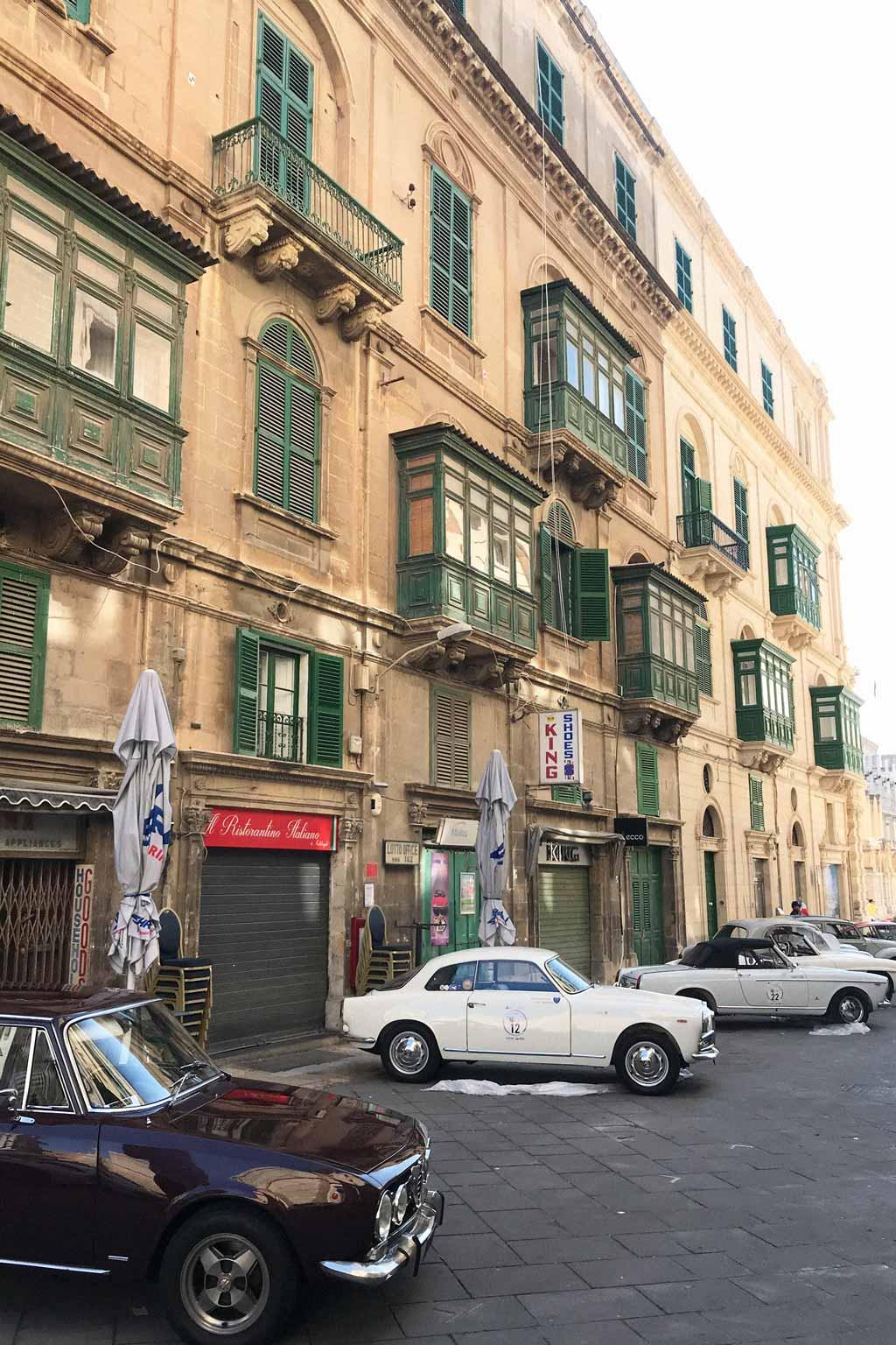 Vintage cars in Valetta, Malta | Dossier Blog