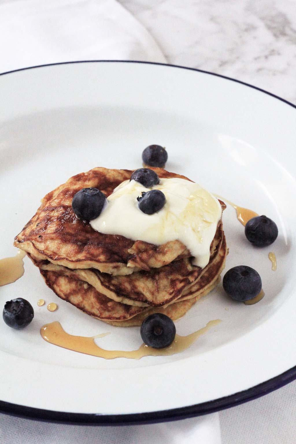 The easiest two ingredient pancakes that are guilt-free! | Dossier Blog