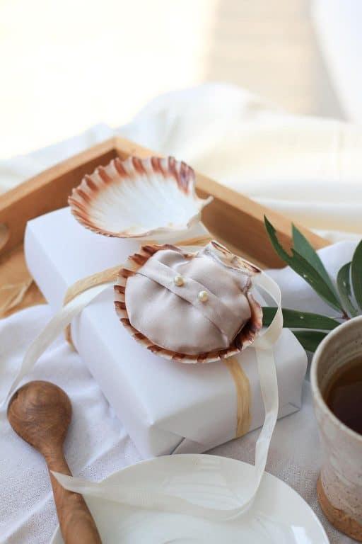 12 DIYs of Christmas - Shells   Dossier Blog