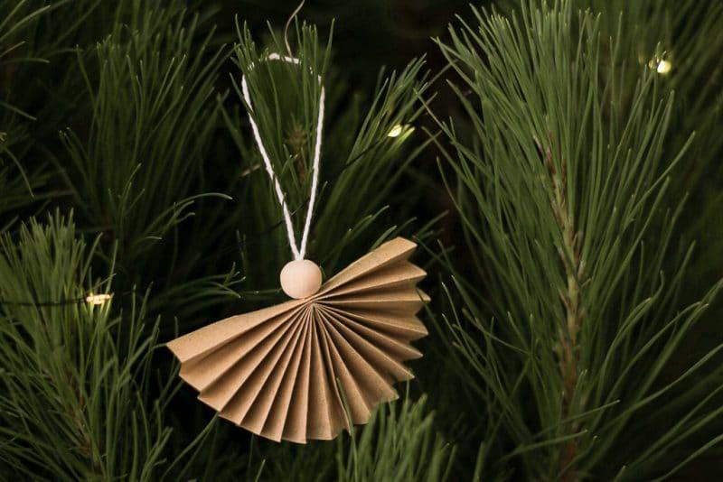 12 DIYs of Christmas: Make these tree ornaments   Dossier Blog