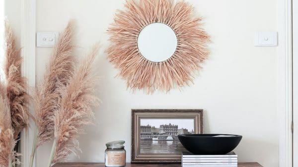 Raffia mirror DIY in entryway | Dossier Blog