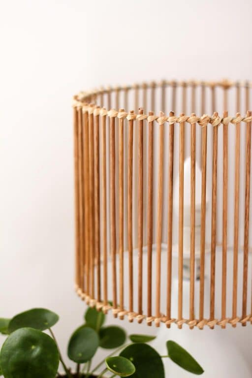 Closeup of the DIY rattan style lamp shade | Dossier Blog
