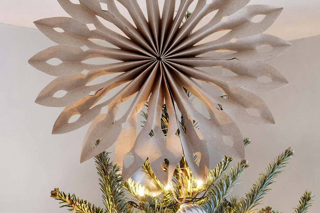 kraft paper star tree topper - Design Fixation