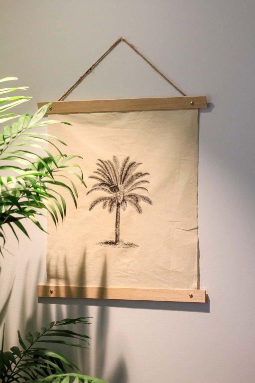 palm printed fabric wall art tutorial | Dossier Blog
